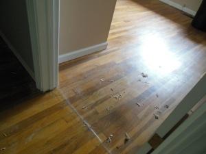 Se lattia nyt vaan on ihan mahtava edelleen eikä sieltä mitään pahoja yllätyksiä löytynyt. Mahtavaa ja jee.