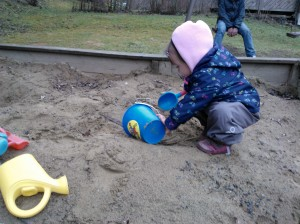 Ensikosketus hiekkalaatikkoon