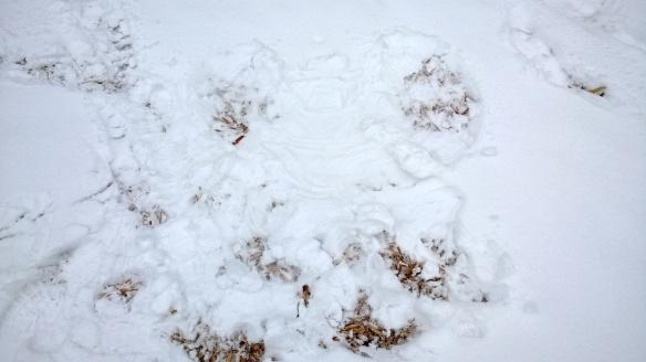 Tämä on lapseni ensimmäinen lumienkeli